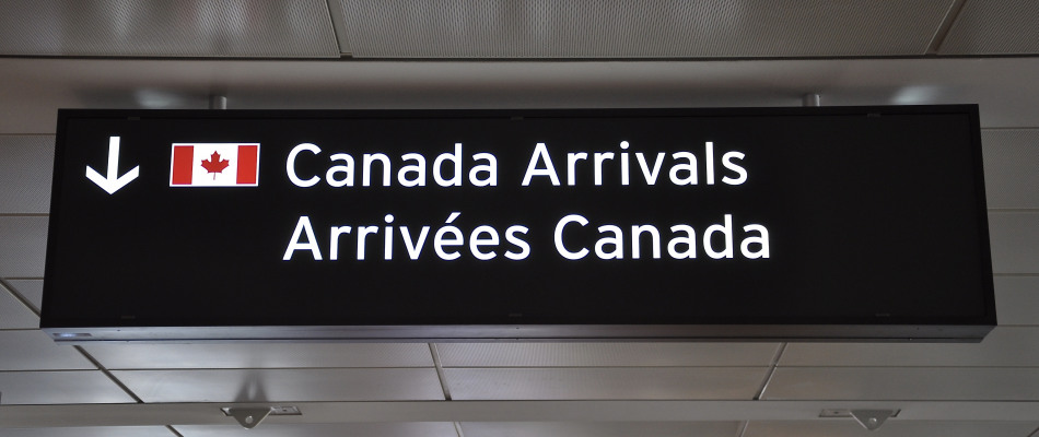 Panneau d'arrivée au Canada