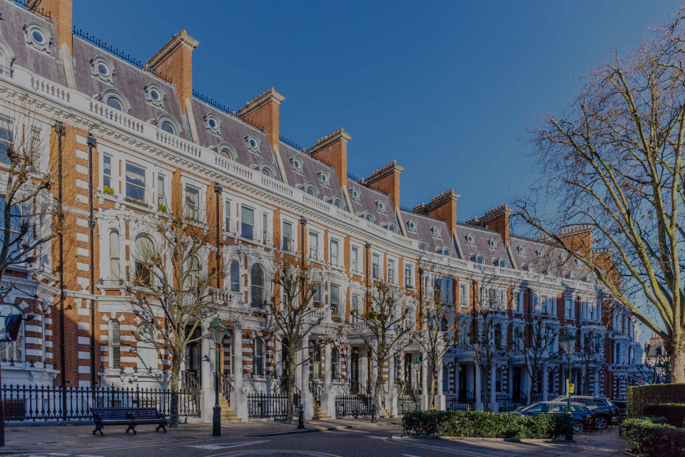Holland Park, the luxury real estate hotspot in London - United Kingdom