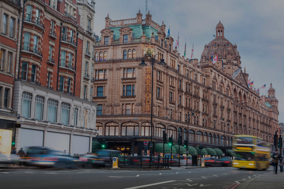 Knightsbridge, the luxury real estate hotspot in London - United Kingdom
